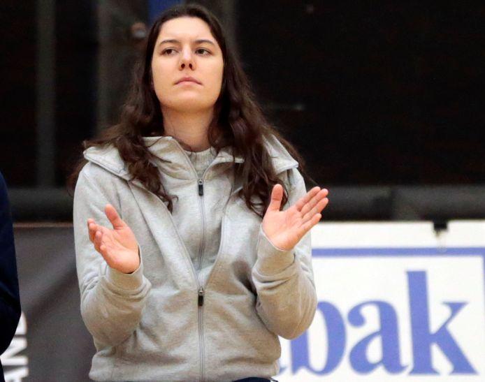 """Amber De Tant: """"Dit jaar steekt er geen enkele ploeg bovenuit. Dat wordt boeiend met zo veel titelkandidaten."""""""