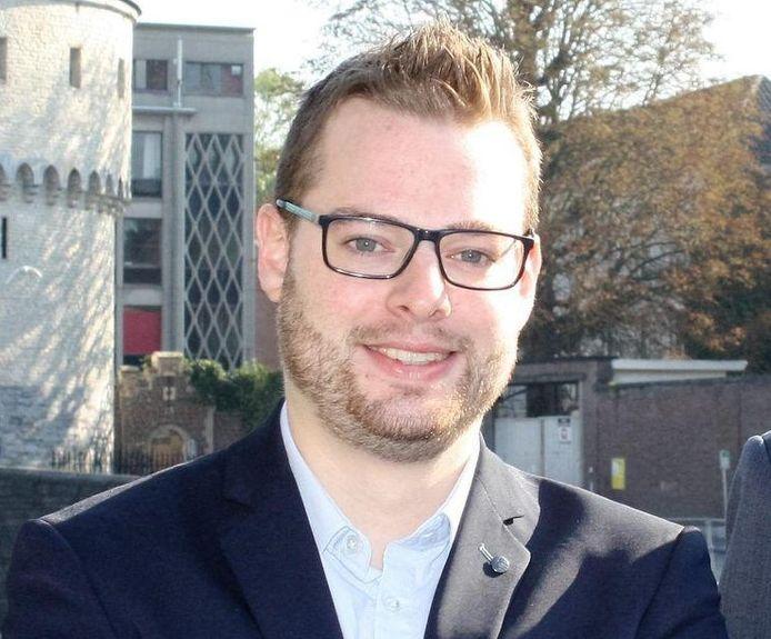 Steve Vanneste is gewezen raadslid in Kortrijk en baatte vroeger ook een café uit in Ieper.