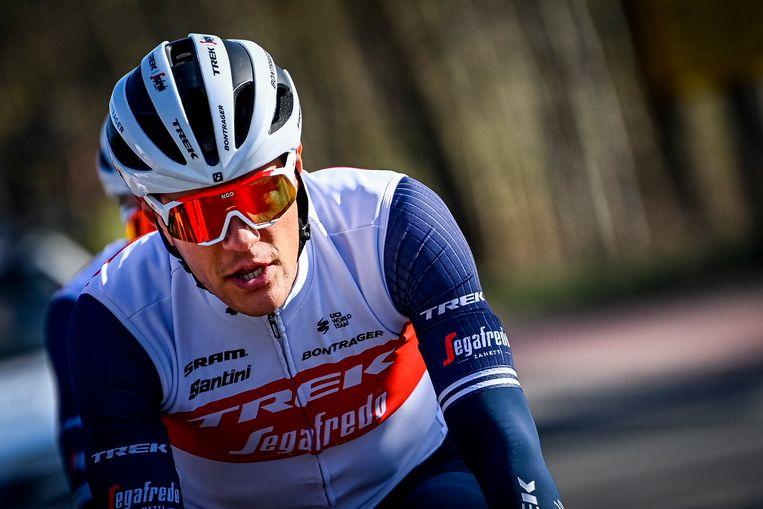 Jasper Stuyven verkent nog even de finale van de Omloop. Beeld BELGA