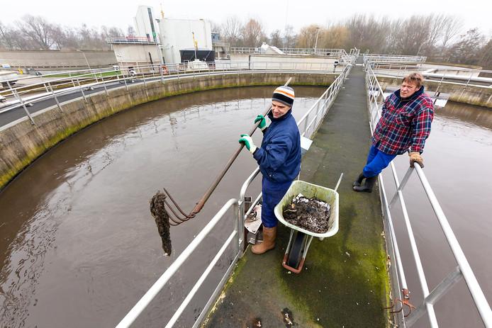 De Alphense rioolwaterzuivering, vlakbij sportpark De Bijlen.