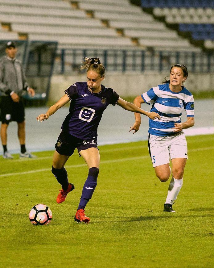Tessa Wullaert in actie voor de Anderlecht-vrouwen in de CL-voorronde tegen Osijek.