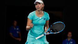 Mertens staat in de derde ronde na straffe comeback tegen Gavrilova