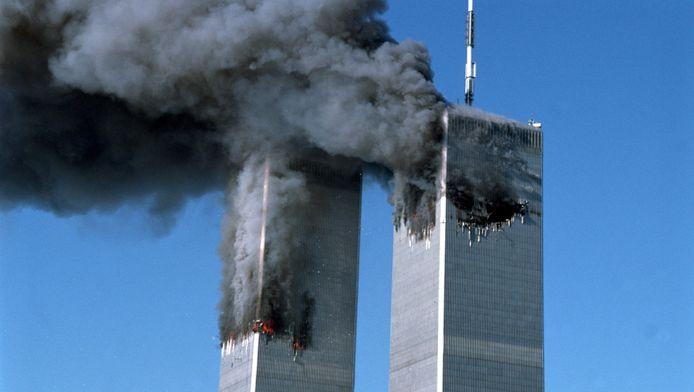 """Selon Richard Gage , fondateur de l'association """"AE911Truth"""", la version officielle sur les causes de l'effondrement des tours du World Trade Center n'est pas correcte."""