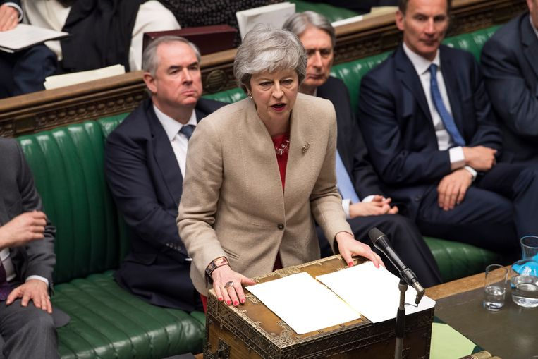 Premier May staat van verschillende kanten onder druk.