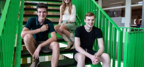 Lachende gezichten bij geslaagde scholieren: 'Het was hard werken dit jaar'
