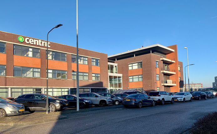 Centrics vestiging in IJsselstein, vlakbij Utrecht. De besloten parkeerplaats is maandagmorgen vrijwel helemaal gevuld.
