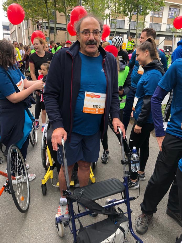 Jan Scheurleer loopt de 5KM4ALL van Marathon Eindhoven met de rollator.