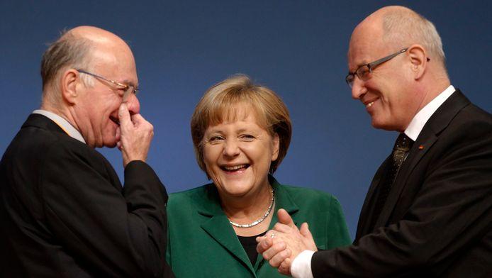 Angela Merkel, Norbert Lammert (gauche), président du parlement et le député Volker Kauder