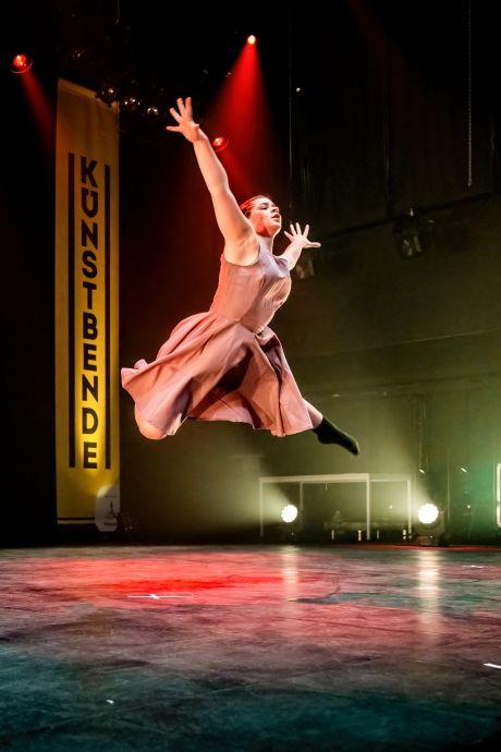 Danseressen Dilek en Phoebe (17) naar de finale van Kunstbende Young Creators Festival in Amsterdam