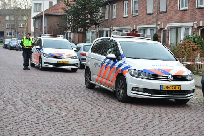 Politie aanwezig voor steekpartij in Breda
