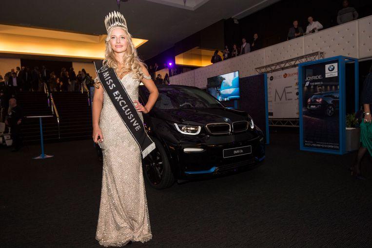 Miss Exclusive 2019 Caro Van Gorp met haar nieuwe BMW.