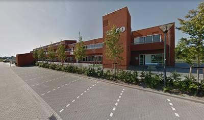 Man gooit 'ongevaarlijk' vuurwerk op schoolplein in Teteringen