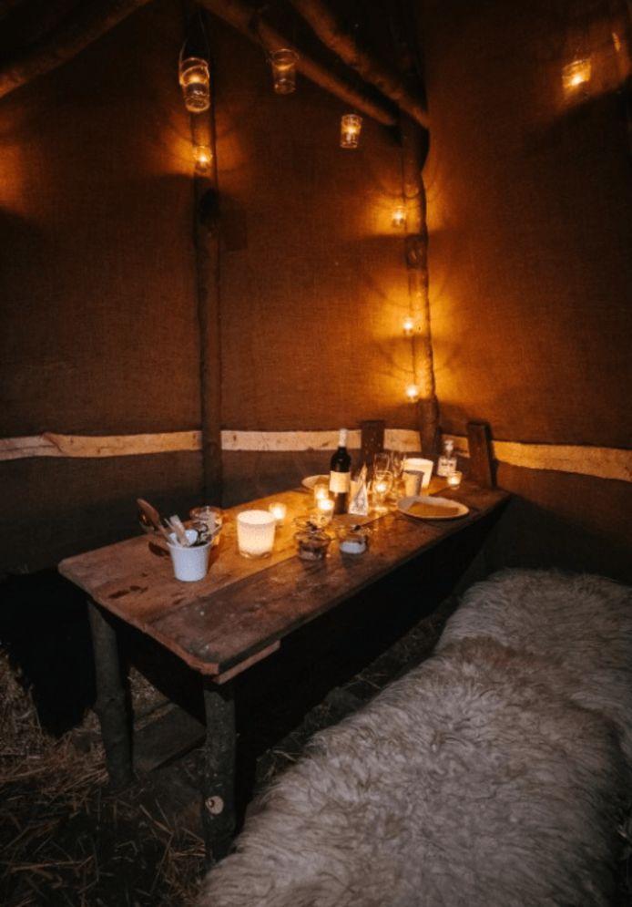 Au B&B Park 7, on mange dans une hutte privée, à la lueur des bougies.