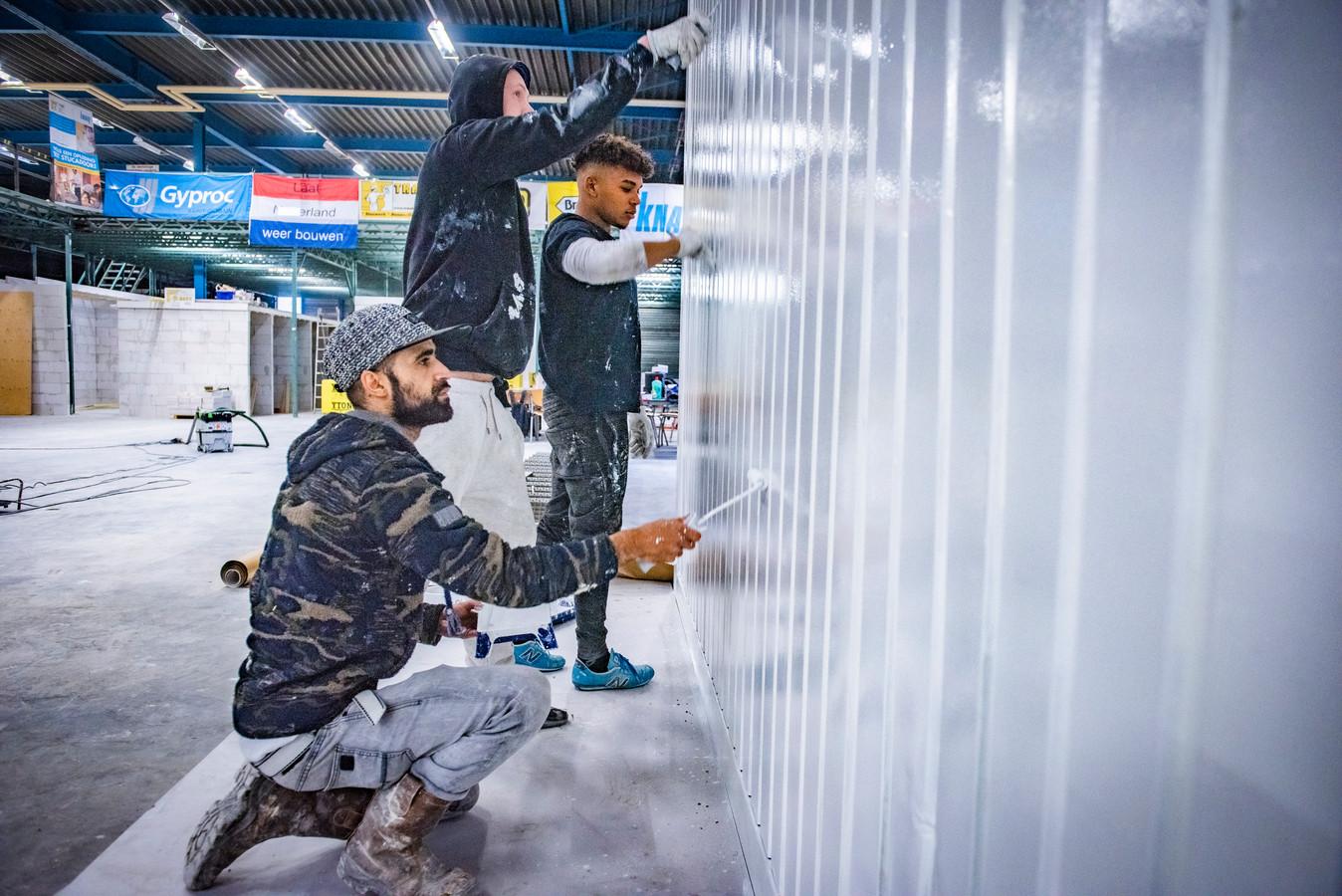De Energie Academie Den Haag. Kansarme jongeren en volwassenen krijgen de kans om binnen 6 maanden weer aan het werk te gaan, onder meer in de bouw.