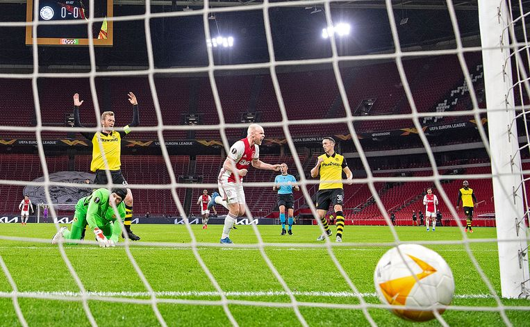 Davy Klaassen scoort in de 62ste minuut de 1-0. Beeld Guus Dubbelman / de Volkskrant
