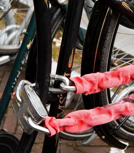 Politie Leiden brengt fiets na vijf jaar terug bij eigenaar