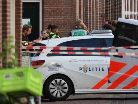 Politie schiet man met hakbijl neer in Scheveningen