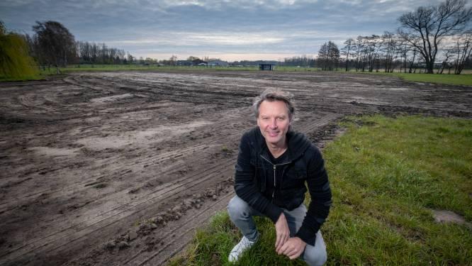 """Chris Van Tongelen plant met broer en buur wijngaard van halve hectare in Putte: """"Wijnranken worden ter adoptie aangeboden"""""""
