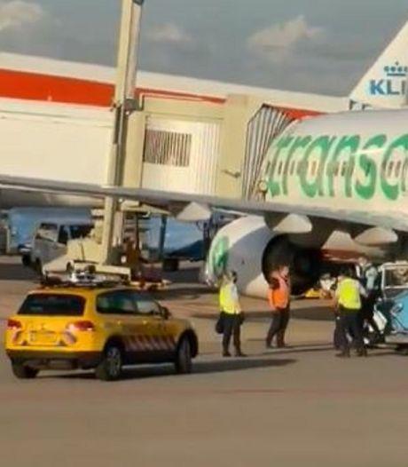Transavia annuleert vlucht na rel met lastige passagier, vrouw (43) uit Amsterdam aangehouden