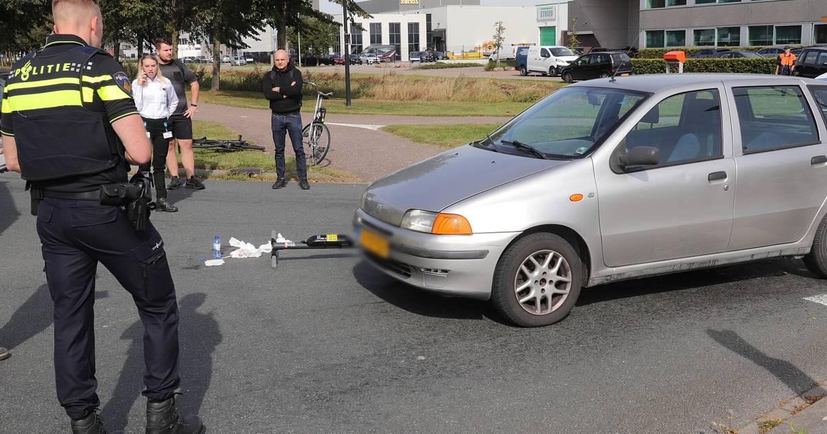 Man op elektrische step raakt gewond bij botsing met auto in Waalwijk.