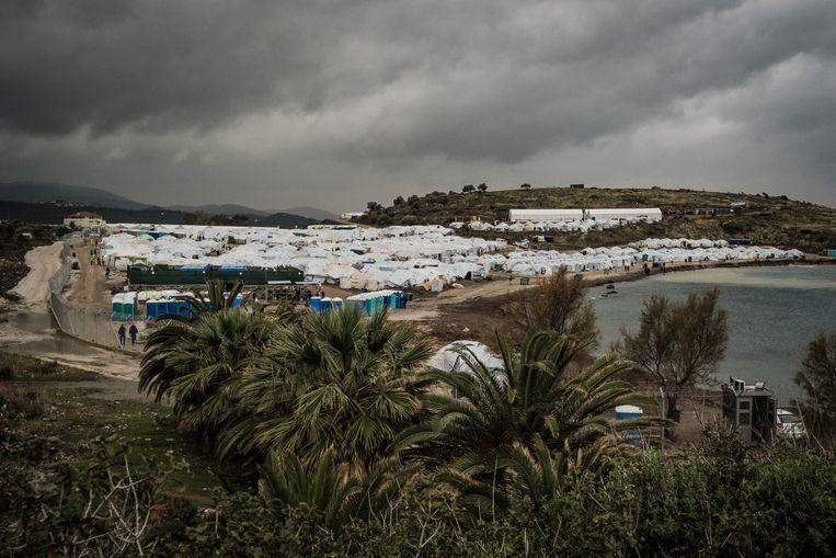 Het nieuwe kamp met de witte UNHCR-tenten. Beeld Nicola Zolin