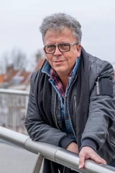 Cartoonist Cor de Jonge houdt Zeeland al 30 jaar een spiegel voor