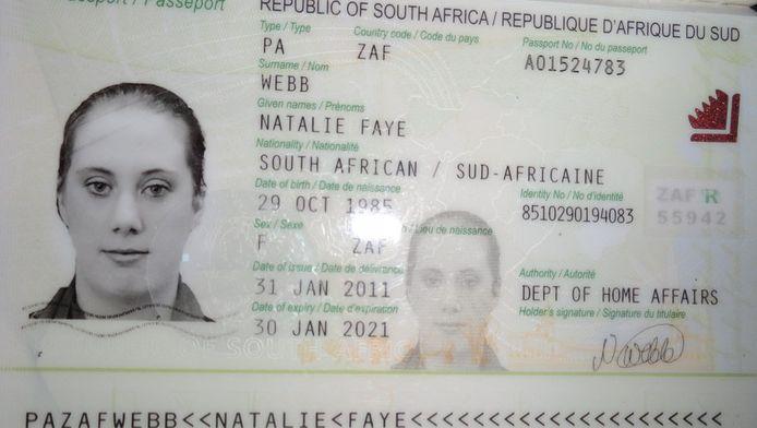 Eén van de paspoorten die 'de Witte Weduwe' gebruikt (of heeft gebruikt). Ze gebruikt hier de naam Nathalie Faye, maar staat nu bekend als Samantha Lewthwaite.
