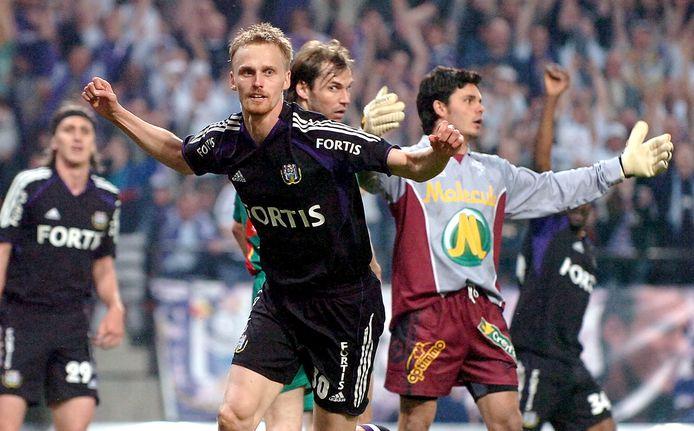Tihinen in het shirt van Anderlecht.