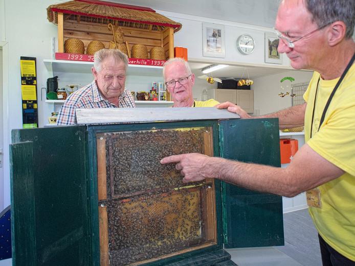 Kreverhille liet zaterdag in Ossenisse zien dat je niet altijd bang hoeft te zijn voor bijen.
