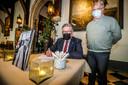 Burgemeester Dirk De fauw en schepen van Cultuur Nico Blontrock.