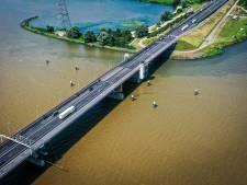 Schouwen-Duiveland eist oplossing voor meer vracht- en toeristenverkeer op N57 door hinder rond Haringvlietbrug; 'Dit had beter gekund'