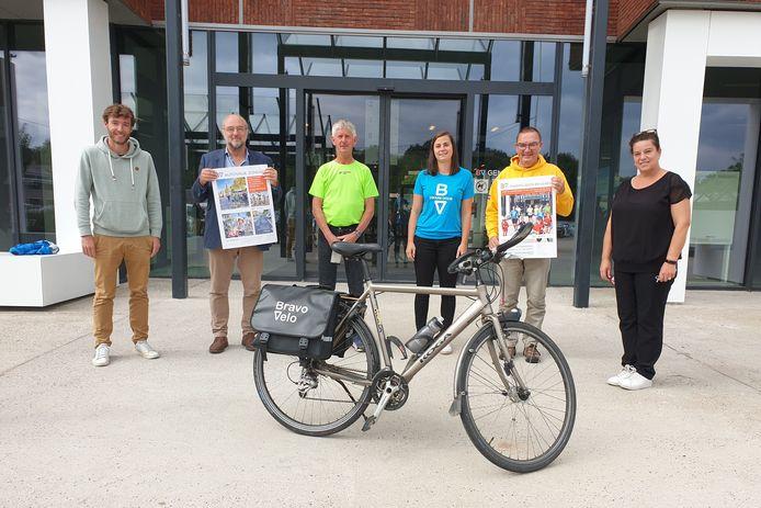 Wie een foto instuurt van zichzelf op de fiets kan een Bravo Velo-fietstas winnen.