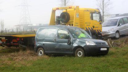 Alweer bestuurder verrast in scherpe bocht