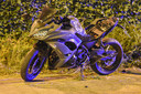 De motor van Arne Erauw, die overleed na een crash tegen een verlichtingspaal in Merksem.