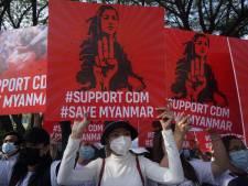 Twaalf landen, waaronder Nederland, halen uit naar leger Myanmar: 'Staak het geweld'