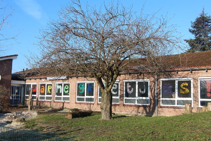 School Noord verhuist naar het gebouw van de voormalige protestants-christelijke basisschool De Wereldboom. De naam verhuist mee, de 'wereldboom' voor de school blijft mogelijk staan.