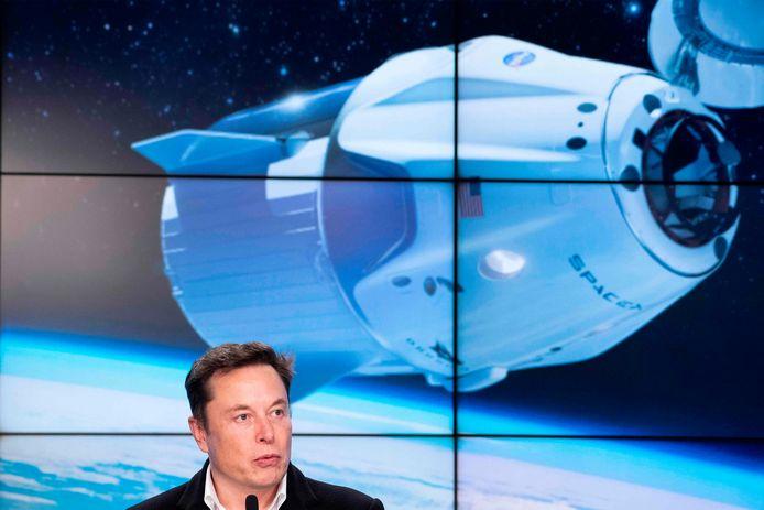 SpaceX-CEO Elon Musk tijdens een persconferentie over de SpaceX Crew Dragon demo-missie in maart 2019.