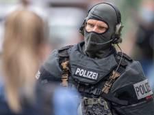 Un policier blessé dans le quartier bouclé à Francfort, le suspect est décédé