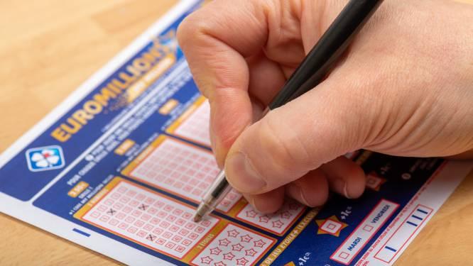 Na twee weken haalt Vlaams koppel loterijprijs op van 21 miljoen euro: 'We waren op vakantie'