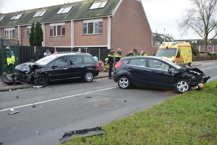 In totaal zijn er vier personen gewond geraakt bij de aanrijding.