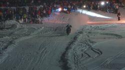 VIDEO. Motorcrossen in de sneeuw? In de Bike & Ski Night Race kan het!