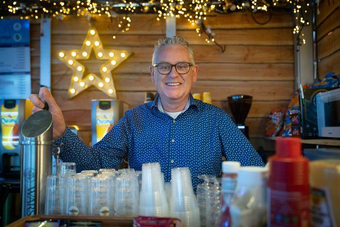 Vrijwilliger bij de bar van het Winterfestijn: Jan van Aggelen