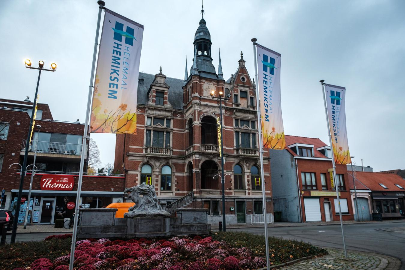 Het oud-gemeentehuis van Hemiksem.