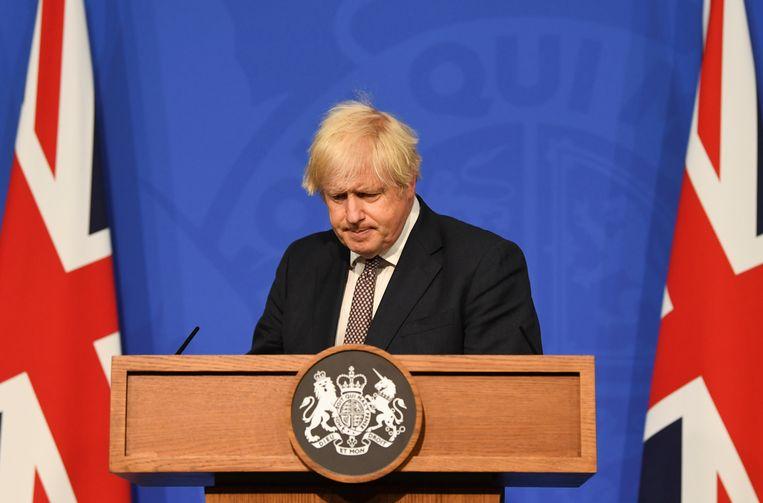 """""""We moeten ons helaas verzoenen met meer coronadoden,"""" zei de Britse premier Boris Johnson een week geleden. Beeld REUTERS"""