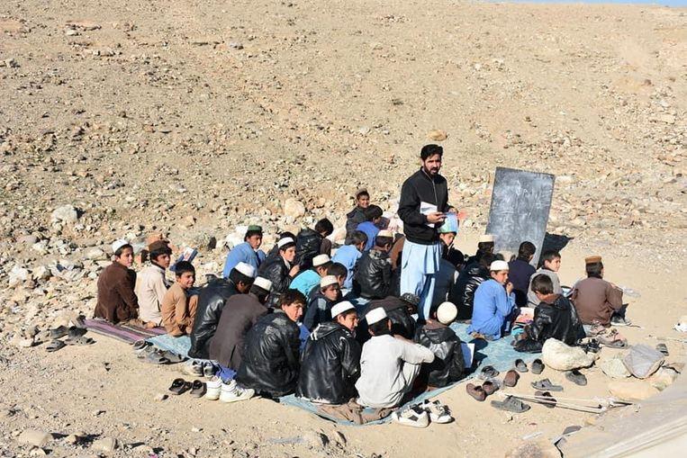 Onderwijs op het platteland van Afghanistan. Beeld rv