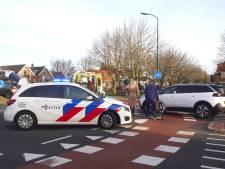 Vrouw op elektrische fiets gewond door aanrijding
