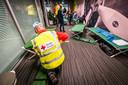 De terminal van Eindhoven Airport bleef vorig week 's nachts open vanwege mist. Passagiers konden de nacht op brengen op veldbedden van het Rode Kruis.