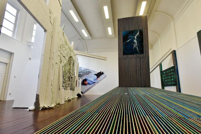 PARK is een kunstenaarsinitiatief dat op nummer 53 tentoonstellingen organiseert in de voormalige kloosterkapel aan het Wilhelminapark.