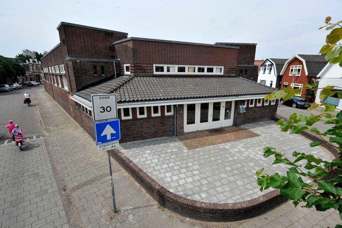 De oude bibliotheek aan de Vondelstraat, een gemeentelijk monument.