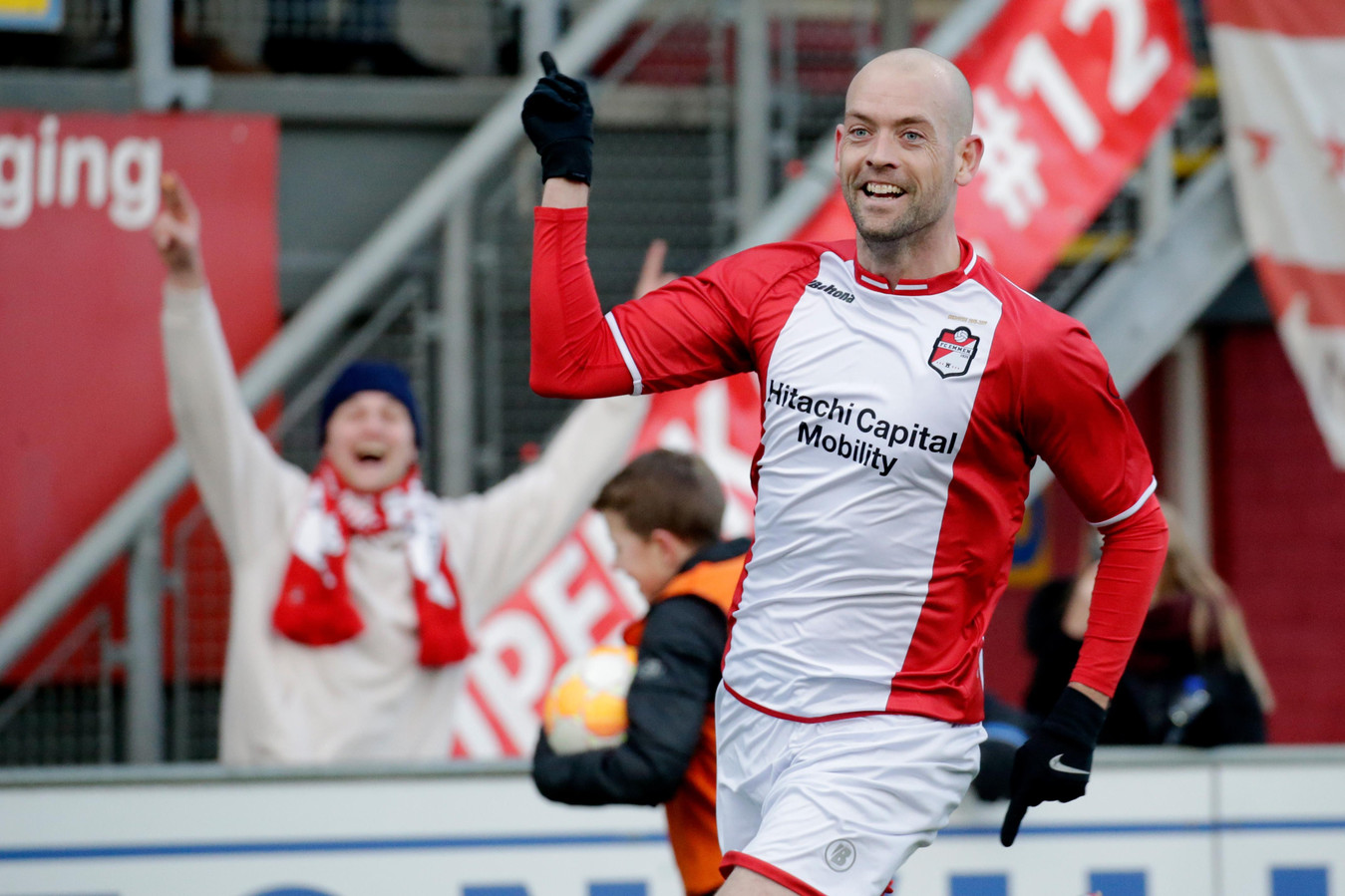 Nicklas Pedersen hielp Emmen vorig seizoen met twee goals aan een gelijkspel tegen PSV.